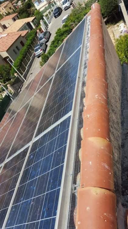 anti pigeon pour panneaux solaires marseille 13 combattre les nuisibles d pigeonnage. Black Bedroom Furniture Sets. Home Design Ideas