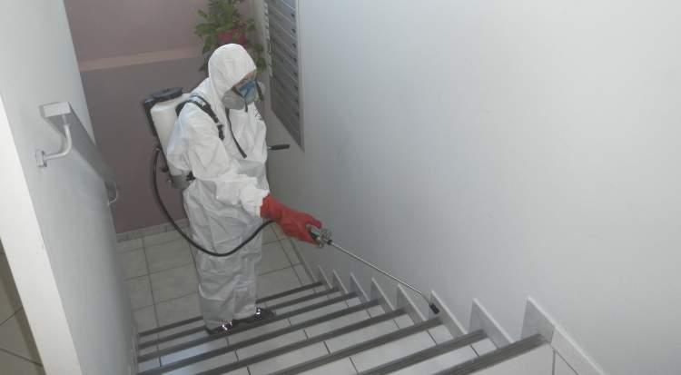 D sinsectisation contre les cafards dans un immeuble allauch 13190 combattre les nuisibles - Produit efficace contre les cafards ...